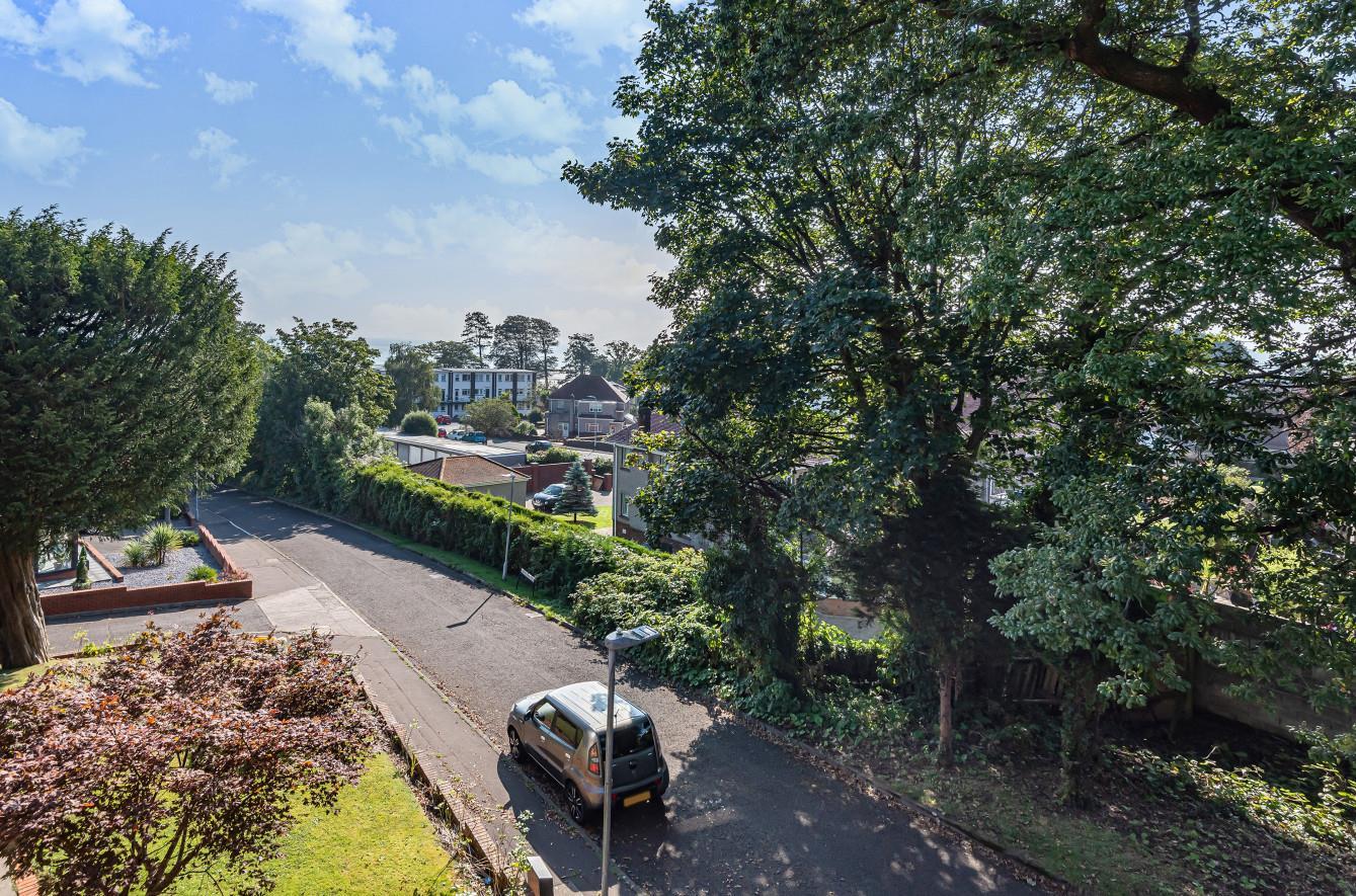 Llwynderw Drive, West Cross, Swansea, SA3 5AP